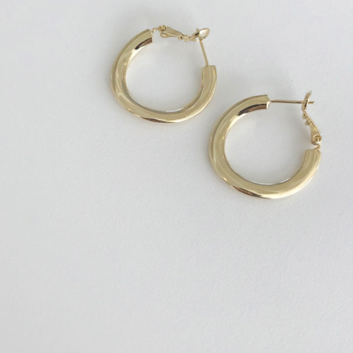 Gold wave earring