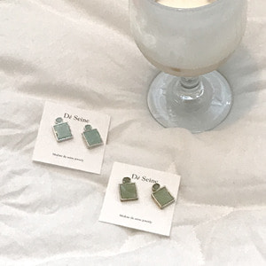 Mint mini earring